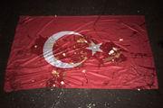 В Ульяновске флаг Турции сорвали с крыши компании и забросали яйцами
