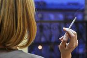 С глаз долой: сигареты в магазинах «спрячут»