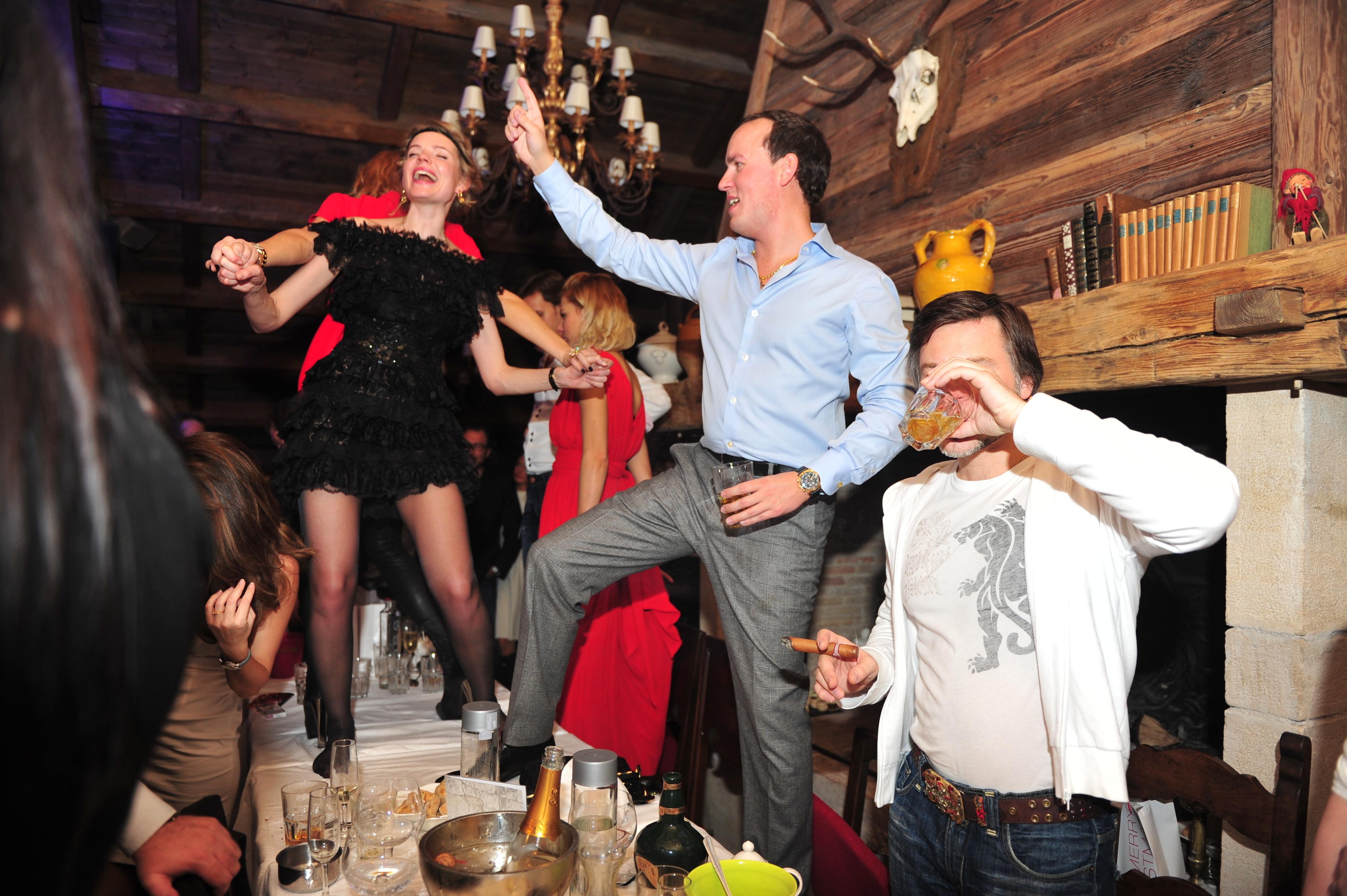 Пьяные русские гулянки 3 фотография