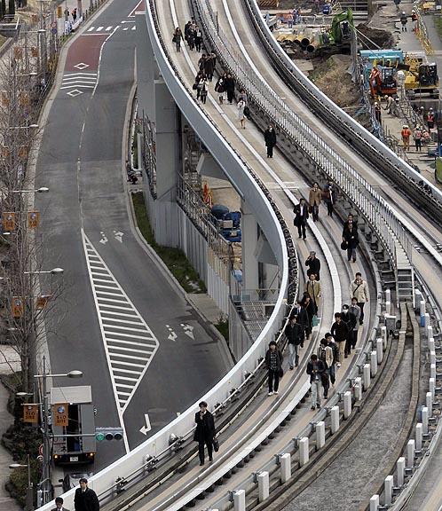 Эвакуация пассажиров токийского метро