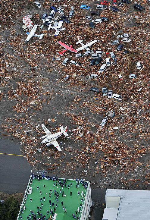 Разрушения в аэропорту
