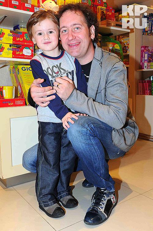 Александр Демидов с сыном
