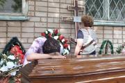 В Ижевске простились с убитой Екатериной Гуровой.