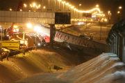 Самолет Ту-204 совершил жесткую посадку во Внуково