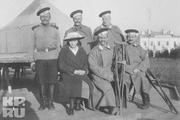 1916 год. Царскосельский госпиталь. Великая княжна Мария Николаевна вместе с солдатами - гвардейцами.