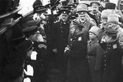 1915 год. Ревель. Николай Второй вместе с сыном на награждении русских и английских подводников.
