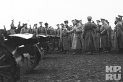 1915 год. Одесса.Царь с цесаревичем на смотре артиллерии 41 дивизии полка.