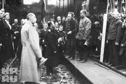1915 год.Город Николаев, судостроительный завод. Царь на закладке линкора «Император Николай Первый».