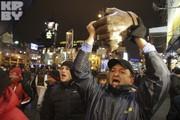 Митингующие повалили памятник Ленину
