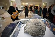 В краеведческом музее славят челябинский метеорит