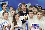 Двукратный олимпийский чемпион Александр Зубков прилетел в Иркутск