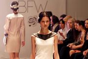 На Belarus Fashion Week модели ходят по подиуму с топорами