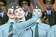 Иосиф Кобзон и ансамбль Александрова поздравили ветеранов концертом
