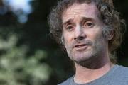 Американский журналист Питер Тео Кёртис, два года находившийся в плену боевиков в Сирии и освобожденный в воскресенье, вернулся в родной Бостон. Кёртис был освобожден из плена при посредничестве переговорщиков из Катара.
