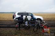 Денис Паслер собирал урожай пшеницы и картофеля в «День поля»