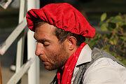 В День города шаржисты нарисовали саратовцев на фоне кухонь, которые им к лицу