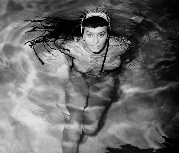 «Две ночи с Клеопатрой» (1953)