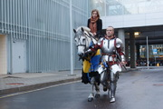 Рыцарь на белом коне в Пулково сделал предложение стюардессе