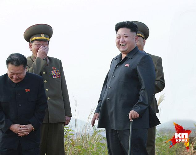 Ким Чен Ын снова появился на публике с тростью в руке