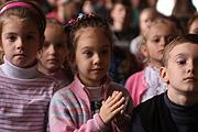 15-летняя чемпионка мира по пауэрлифтингу Марьяна Наумова посетила донецкую школу