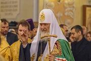 Патриарх Кирилл освятил в Саратове храм и провел службу