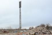 На Центральном стадионе Волгограда демонтировали осветительные мачты