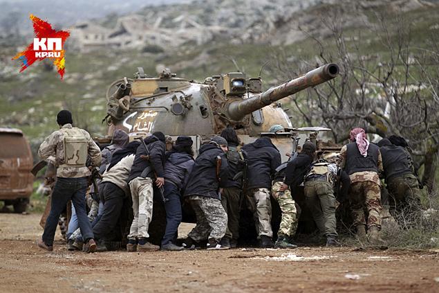 В Сирии расширяются бои между исламистами и прозападной оппозицией