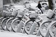 Восточную Германию заваливает снегом