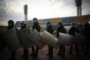 В Краснодаре полицейские «сражались» с футбольными фанатами