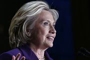 Хилари Клинтон в апреле собирается объявить об участии в предстоящих президентских выборах