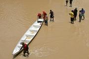 Проливные дожди вызвали мощное наводнения в Боливии