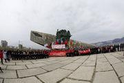 В Новороссийск привезли 200-метровую копию знамени Победы