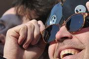 Москвичи стали свидетелями солнечного затмения