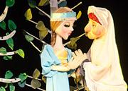 Юные волгоградцы увидели спектакль «Аленький цветочек»