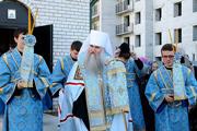 В Саратове на храме Сергия Радонежского в поселке Юбилейный установили купола