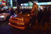 Выставка автомобилей у кинотеатра «Победа» в Новосибирске