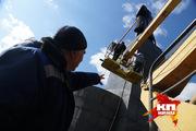 Помывка памятника Ленину