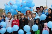Юные кадеты спели с владыкой Феофаном «Катюшу» и запустили шарики в небо