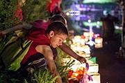 В Саратовском горпарке прошел Фестиваль водных фонариков