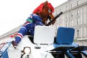 СКА прокатили по Невскому и вручили чемпионские перстни