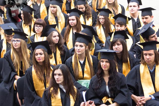 Бакалавры департамента интегрированных коммуникаций Высшей школы экономики получили дипломы