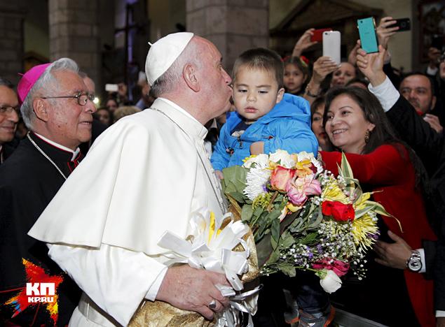 Сотни тысяч человек пришли на мессу папы римского Франциска в Эквадоре