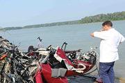 Работа сотрудников МЧС на месте катастрофы над Истринском водохранилищем