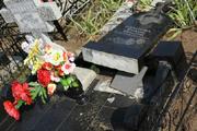 В Саратове ураган разрушил могилы на Елшанском кладбище