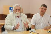 Виктор Хрестин поздравил местные СМИ с Международным днем солидарности журналистов
