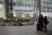 В Пулково мемориал памяти жертв катастрофы в Египте продолжает расти