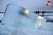 В Кемерове начали заготавливать лед для новогодних скульптур