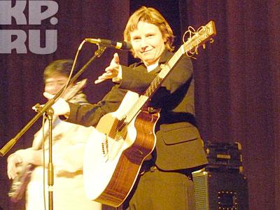 Светлана спела для воронежских поклонниц свои хиты