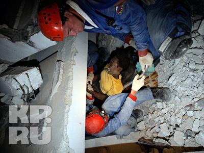 Наши корреспонденты не видят иностранных спасателей