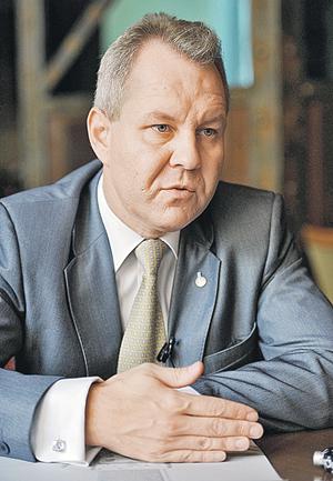 Анатолий ЖДАНОВ